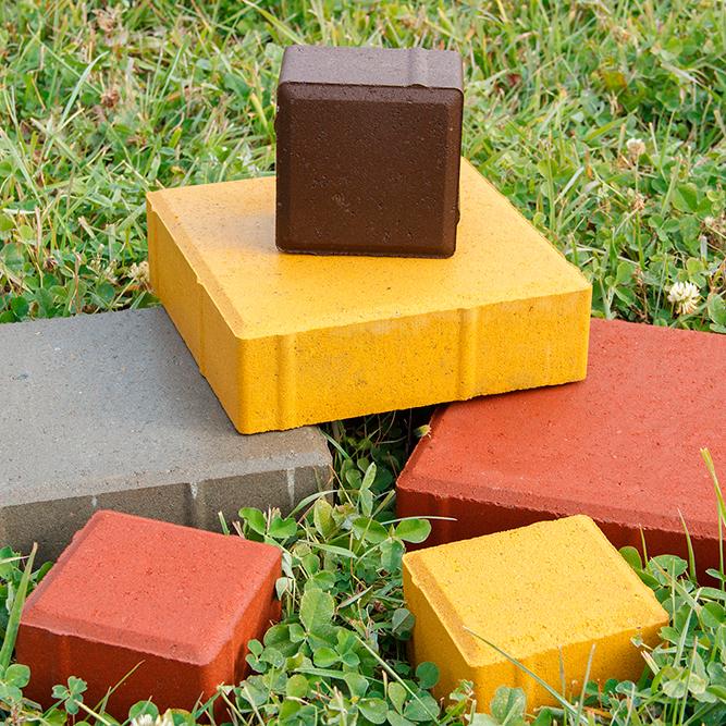 Плитка квадратная желтая, красная, белая, серая и коричневая